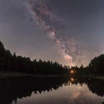 Pano della Via Lattea al Lago della Ninfa fotografata con reflex Nikon e astro-inseguitore Sky-Watcher Star Adventurer