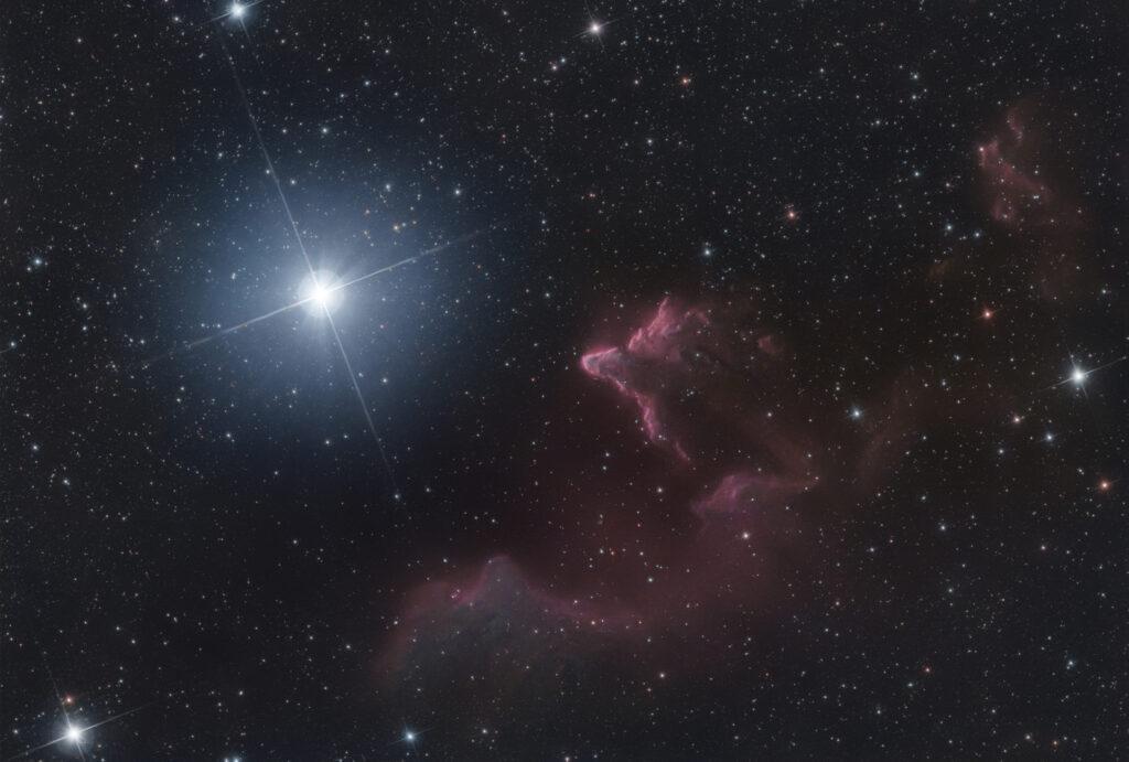 Fantasmi di Cassiopea IC 63 e IC 59
