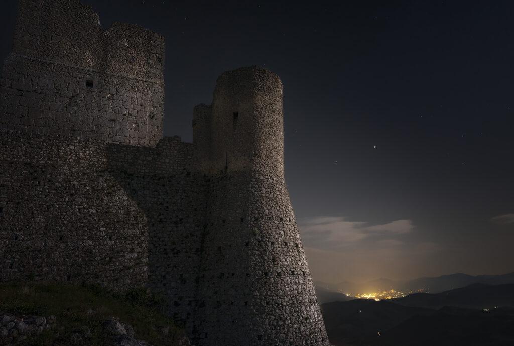 Paesaggistica Notturna a Rocca Calascio Rocca Calascio abruzzo nightscape nightscapes via lattea paesaggistina notturna pano milky way