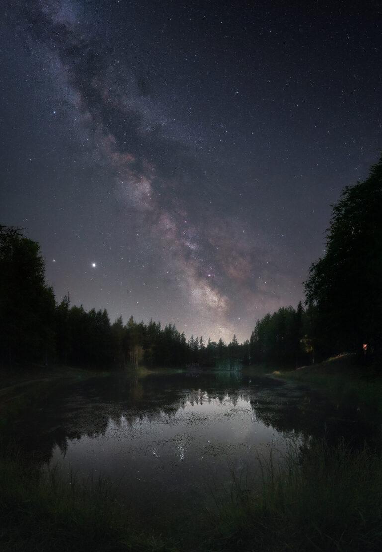 Via Lattea Lago Della Ninfa Panoramica realizzata con Nikon D750 pano astrofotografia nightscapes paesaggistica notturna cimone sestola appennino post produzione sviluppo astro inseguitore star adventurer