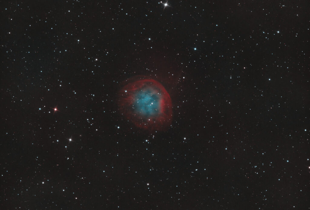 Nebulosa Planetaria Abell 31 (Sh2-290) in bicolor HOO (H-Alpha e Oiii) con ZWO ASI 2600MM, tre ore per canale planetary nebula Ha:Oiii Recensione camera CMOS ZWO ASI 2600 MM Pro Monocromatica