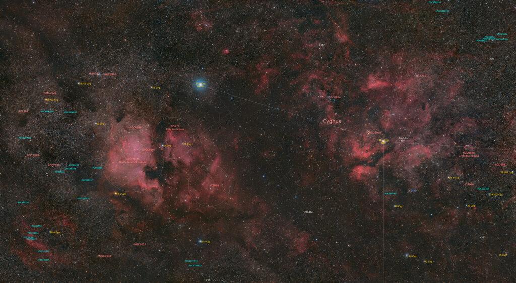 Il Cigno, nebulosa Nord America NGC 7000, Nebulosa Pellicano IC 5070, Nebulosa Crescente NGC 6888, NGC 6914, mosaico con Askar ACL200 APO 50mm F/4.0 e ZWO ASI 2400 MC Pro