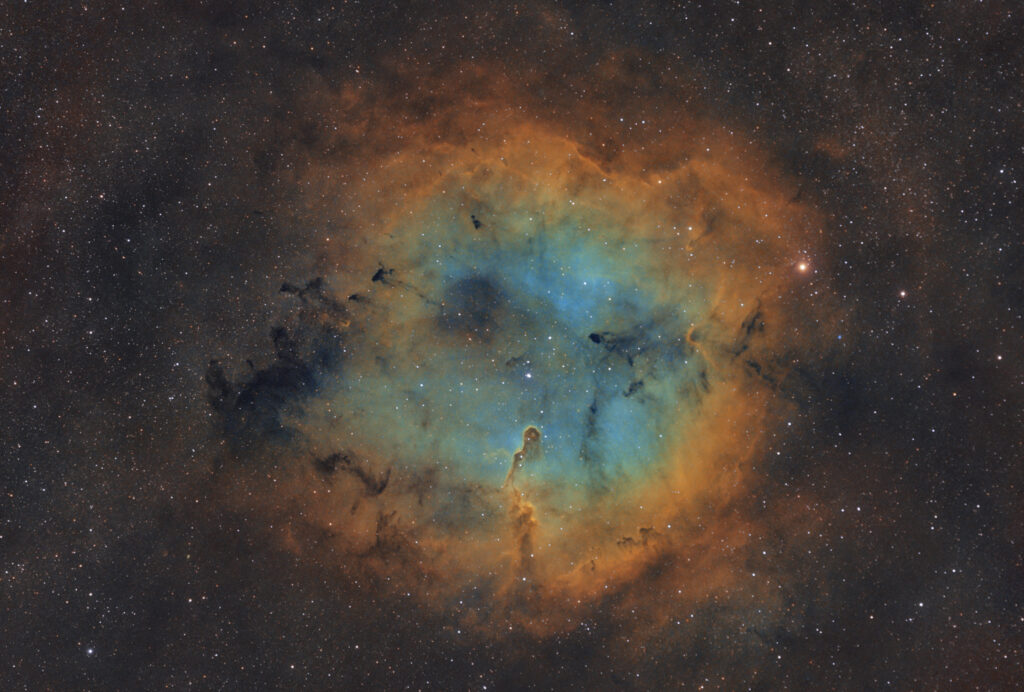 Nebulosa Proboscide di Elefante IC 1396 Hubble Palette SHO con H-Alpha, Oiii e Sii Antlia da 3nm e 3.5nm e Askar ACL200 APO 50mm F/4.0 e ASI 294MM